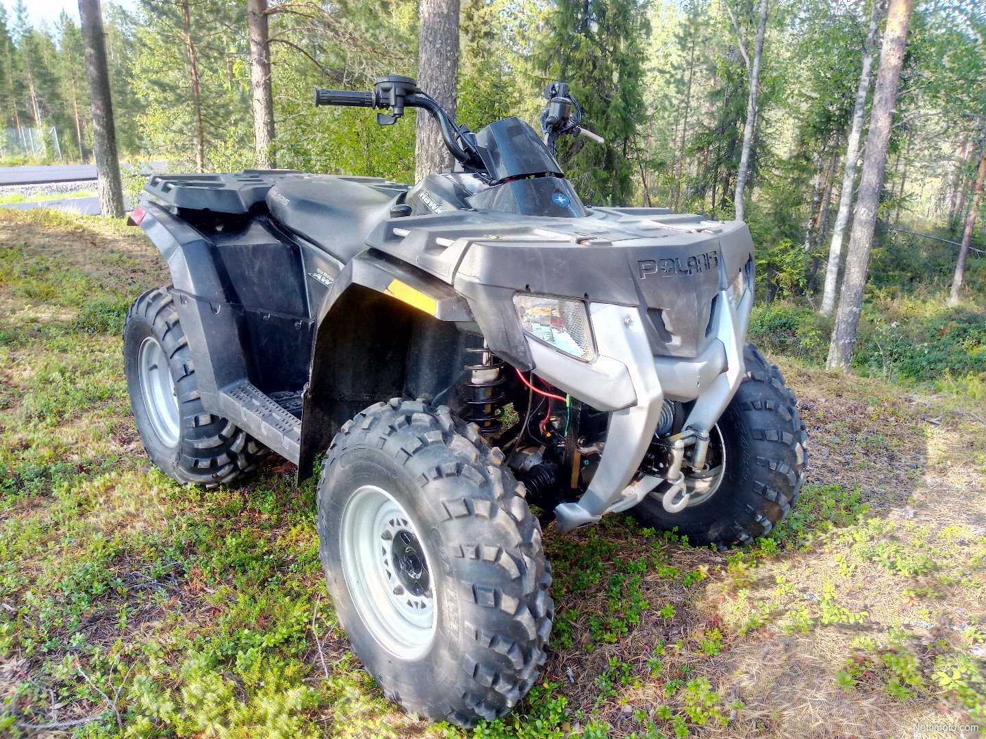 Квадроцикл для охоты Polaris Hawkeye 300